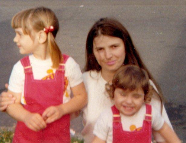 Linda Lillian & Mum 1972